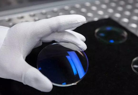Ako vznikajú okuliarové šošovky Zeiss