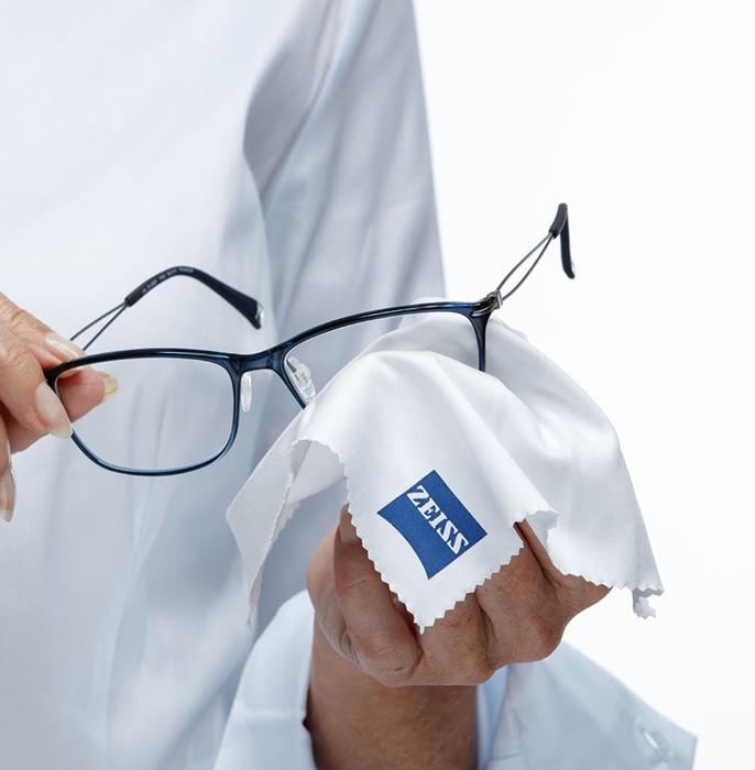 4b5a6322d ZEISS správne čistenie okuliarov - Smartoptic - Zeiss Vision Center